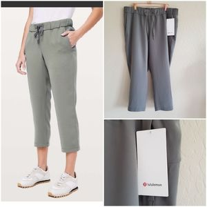 Lululemon On the Fly Crop Size 12 New